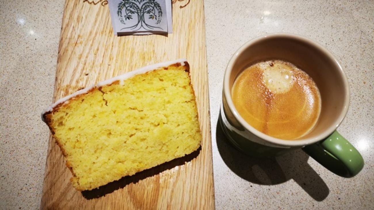 Willow_Worx_Lemon_Cake